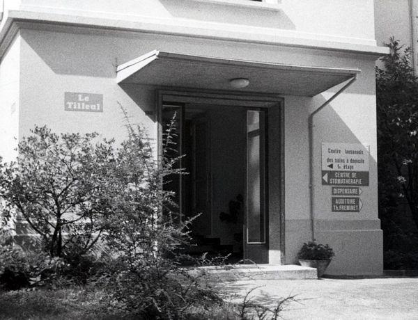L'entrée du Tilleul alors qu'il accueillait le Centre Lausannois des soins à domicile en 1982.