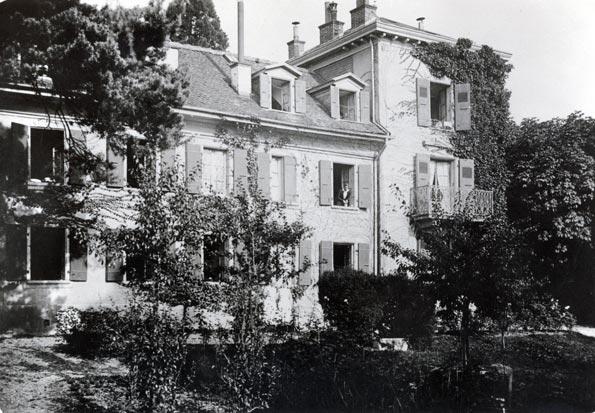 Le Foyer Source-Croix-Rouge acheté par La Source en 1919.